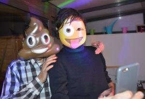 masque emotocone Olive et TOM BD