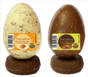 oeuf chocolat blanc éclats de caramel ou chocolat au lait éclats de noisettes Leader Price 2,49 €