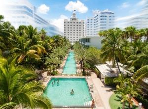 National Hôtel piscine