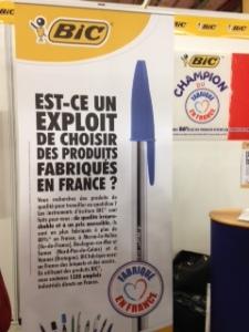 Bic qui fabrique 87 % de ses produits d'écriture en France fait gagner des tas de cadeaux sur son stand